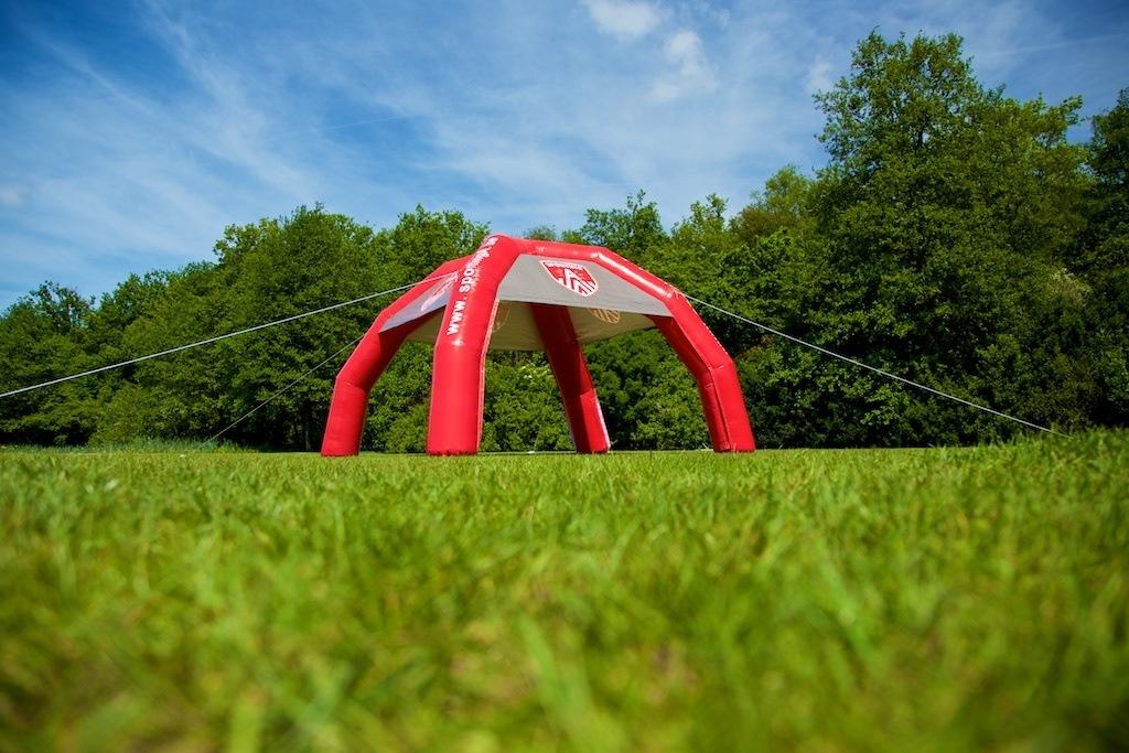 Sporting A Inflatable spiertent 4x4m met uitneembare zijwanden
